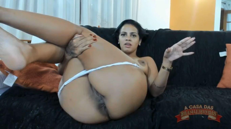 Grazy Moreno gostosa tirando a calcinha e mostrando tudo