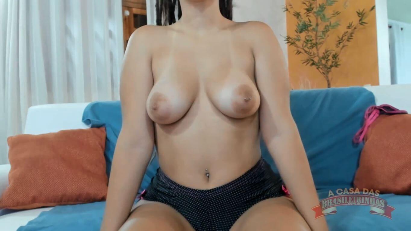 Letícia Ferola pornô da gostosa mostrando tudo no chat