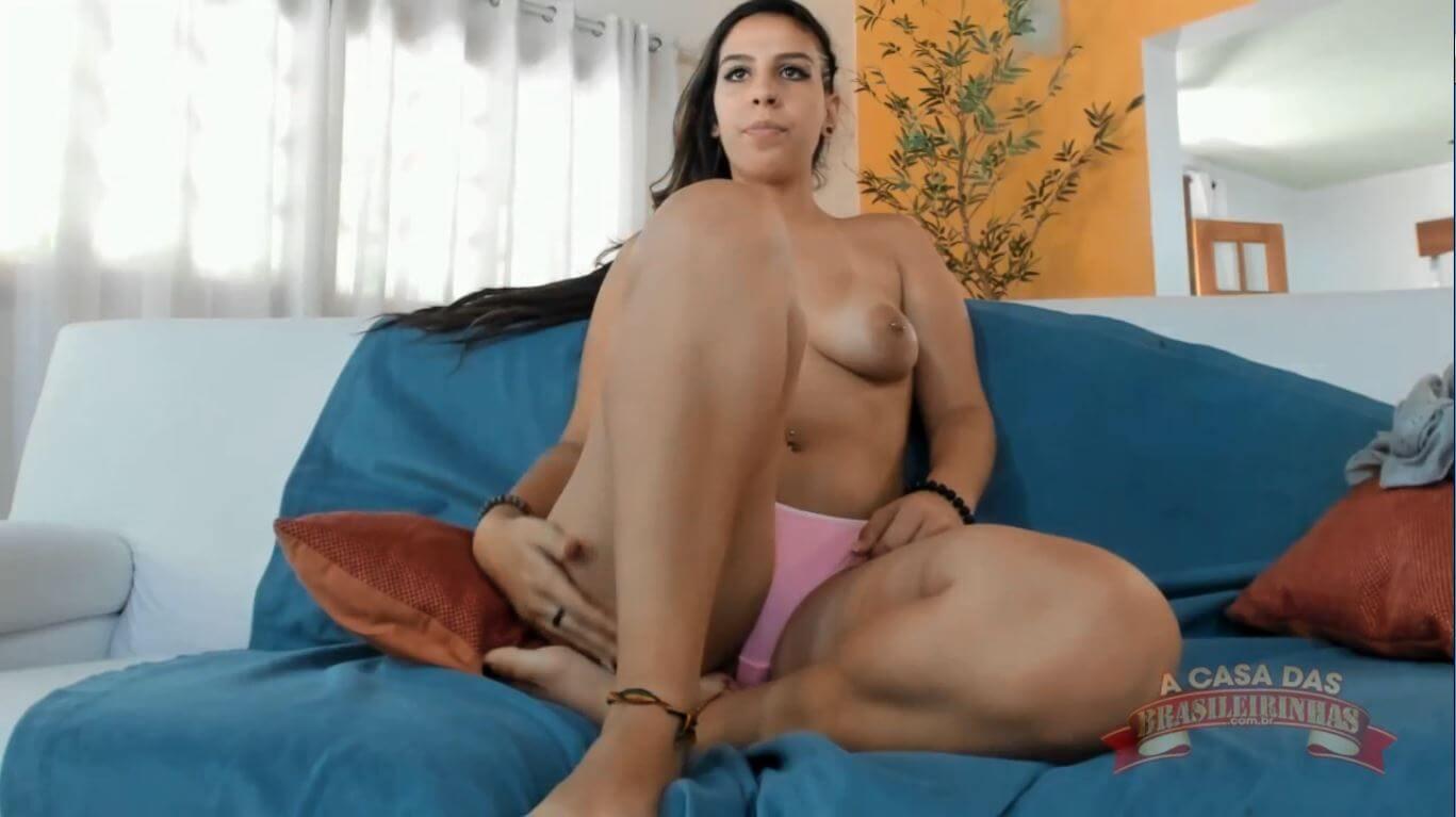 Chat de sexo com a Letícia Ferola pelada