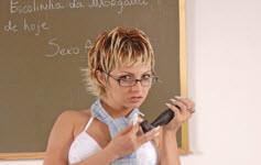 Morgana Dark é a professora da putaria.