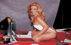 Rainha famosa Rita Cadilac trepando com tesão.