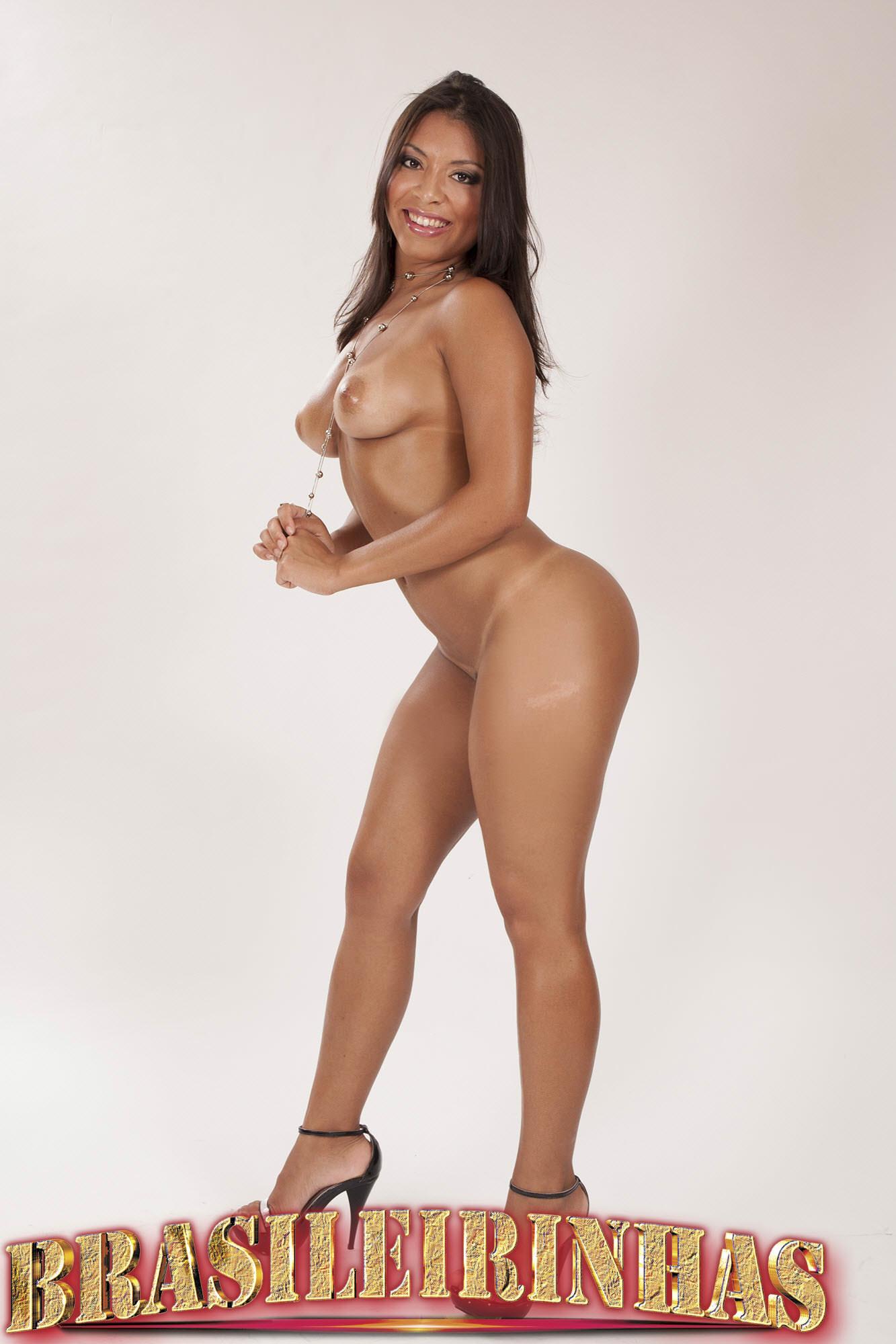 Amanda Gostosa Nua morena de bunda perfeita amanda benites fazendo muito sexo