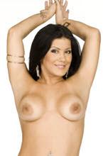 bruna ferraz pelada e mostrando os peitos e a buceta para a camera