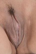 monique lopes faz cara de safada mostrando a bucetinha