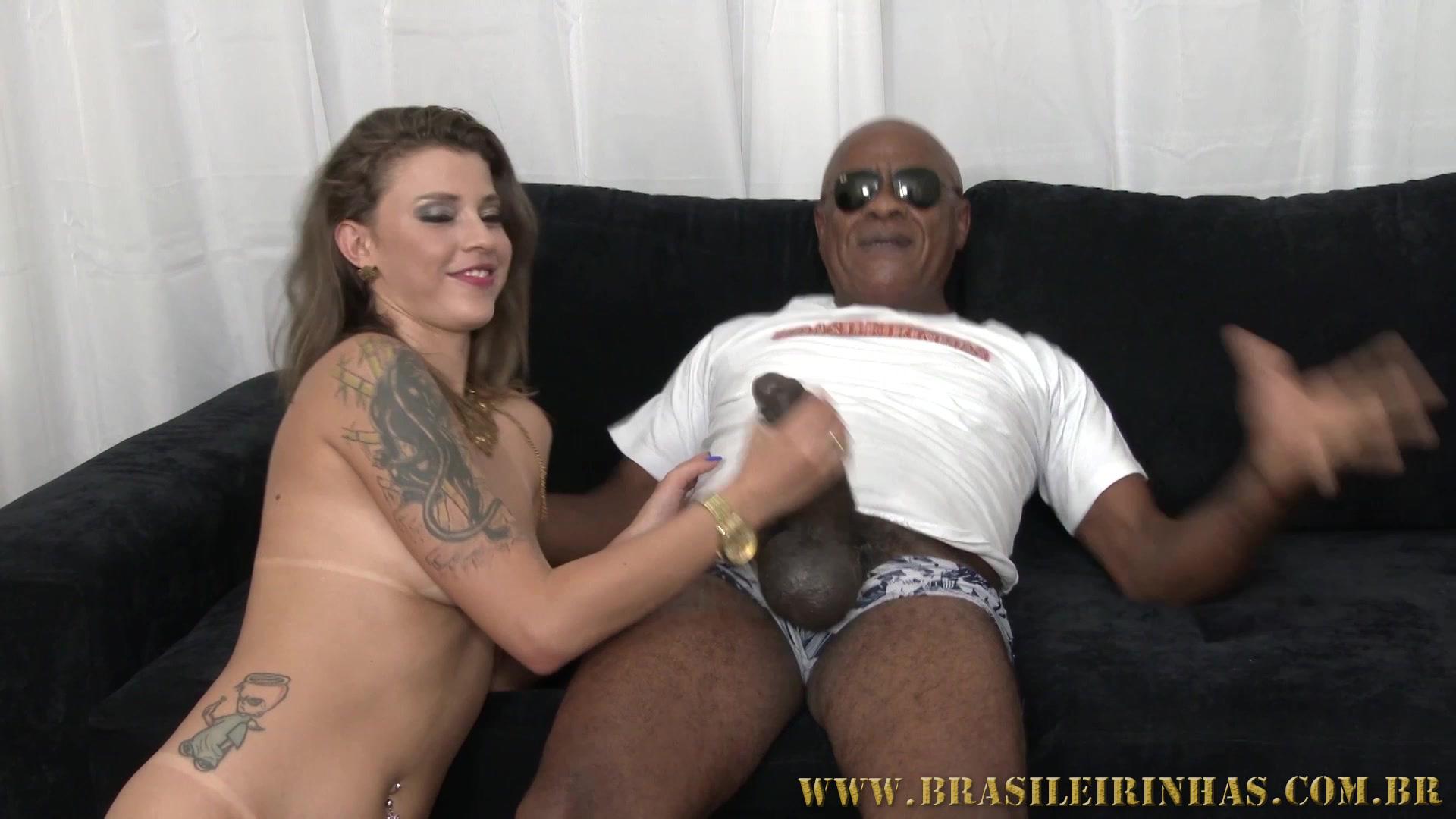 A gostosa elisa sanches e suas amigas em cenas de sexo - 5 10