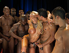 a pornstar pamela butt rodeada de negoes pauzudos