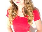 gostosa jessie andrews com camiseta vermelha