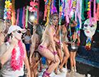 gostosas fazendo trenzinho em carnaval