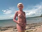 loira gostosa de cabelo curtinho peladinha na praia do rio de janeiro