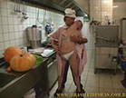 loira gostosa fode com marmanjo na cozinha