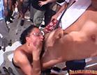 morena esfregando rola na cara