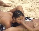 morena gostosa fazendo sexo oral na amiga safada