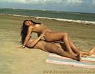 morena safada faz deliciosamente sexo na praia com bem dotado