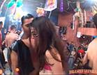 morena se exibindo em carnaval