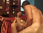 oriental safada abre as pernas para marmanjo bem dotado