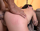 Atriz pornô Oriental Vip deu um show e além de fotos sensuais, fez vários ví