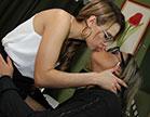 As lésbicas Lilly Manara e Marsha Love deram aquela foda deliciosa no escritór