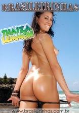Thaiza Lemmon bota o dedinho na boca e libera tudo de quatro na areia