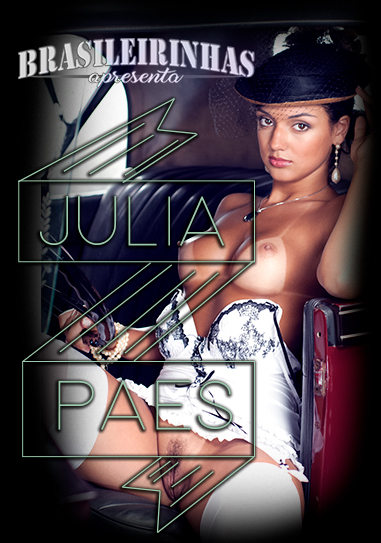 Julia Paes