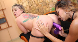 Capuccini and Cybele horny floods in lesbo sex