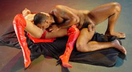 Two hot chicks participate in threesome with black man pauzudo