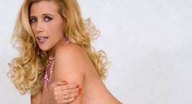 Rita Cadillac liberou a bucetinha de quatro para o bem dotado