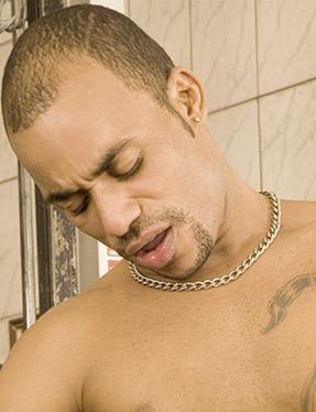 Jonathan Kawã ator pornô gay