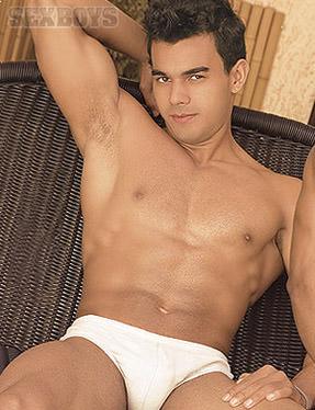 Poax Lenehan ator pornô gay