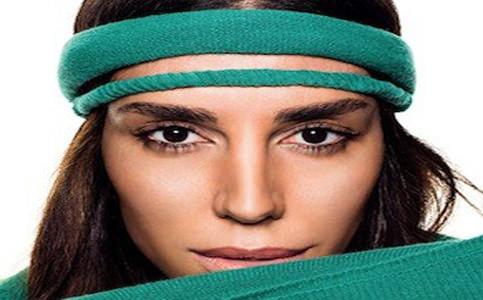 Lea T. é estrela da nova campanha da Benetton