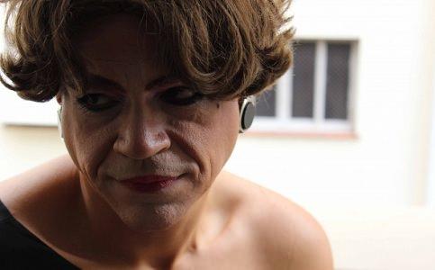 Março tem estreia de peça sobre trans e sua relação com o pai