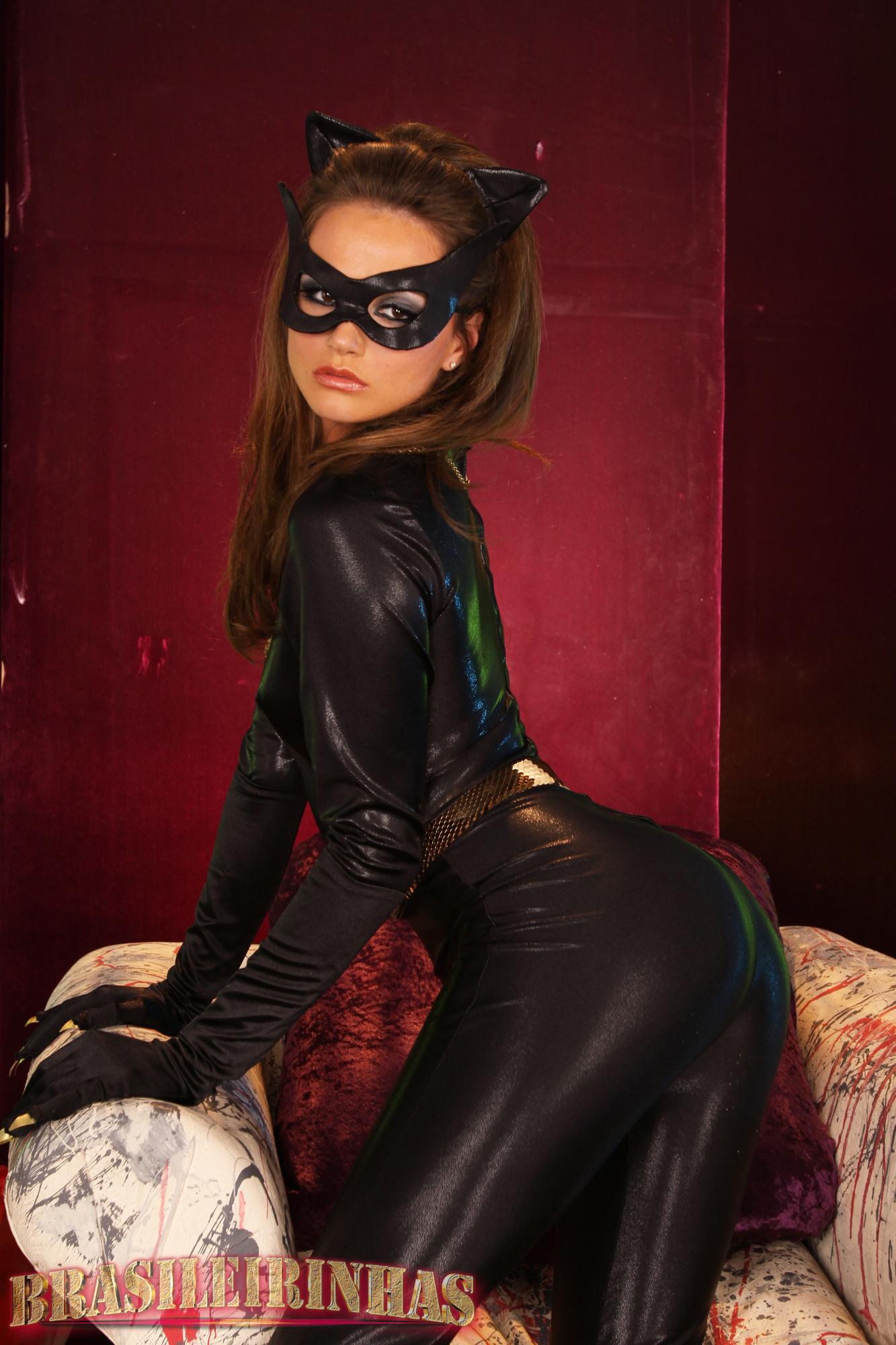 tori black cat