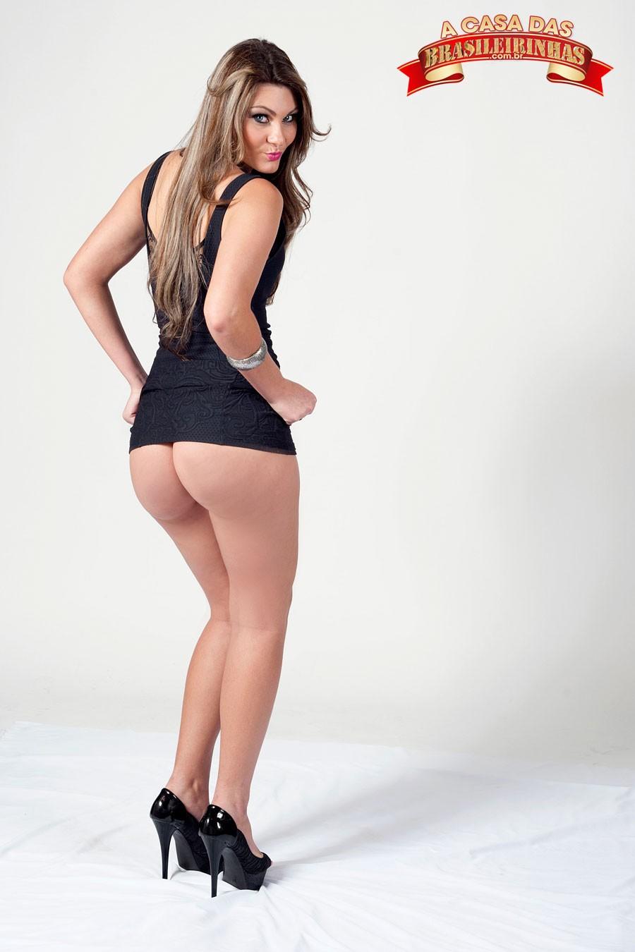 nayra-mendes-com-vestido-levantado.jpg