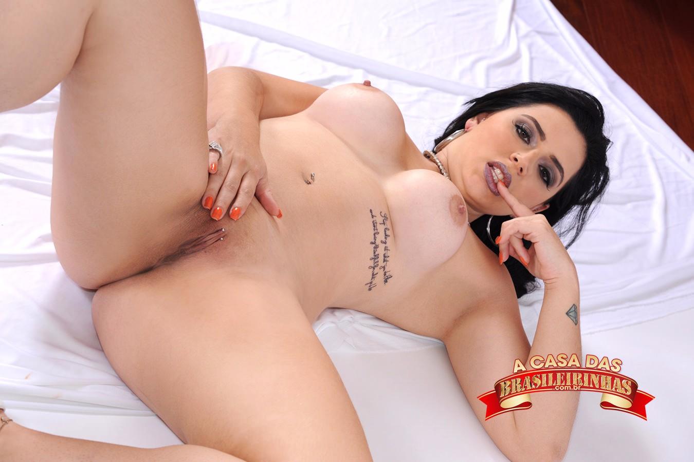 Monica-Lima-mostrando-a-bucetinha.jpg