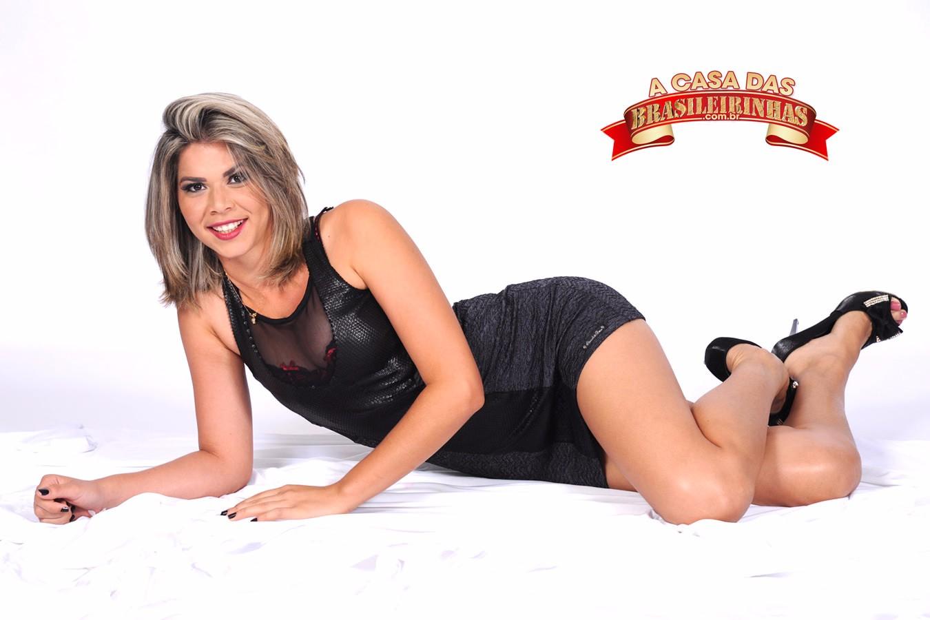pose-de-Emanuela-Martins.jpg