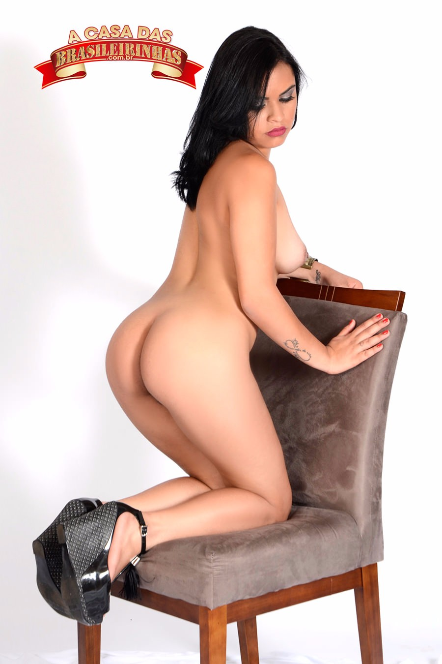 Duda-Morais-na-cadeira.jpg