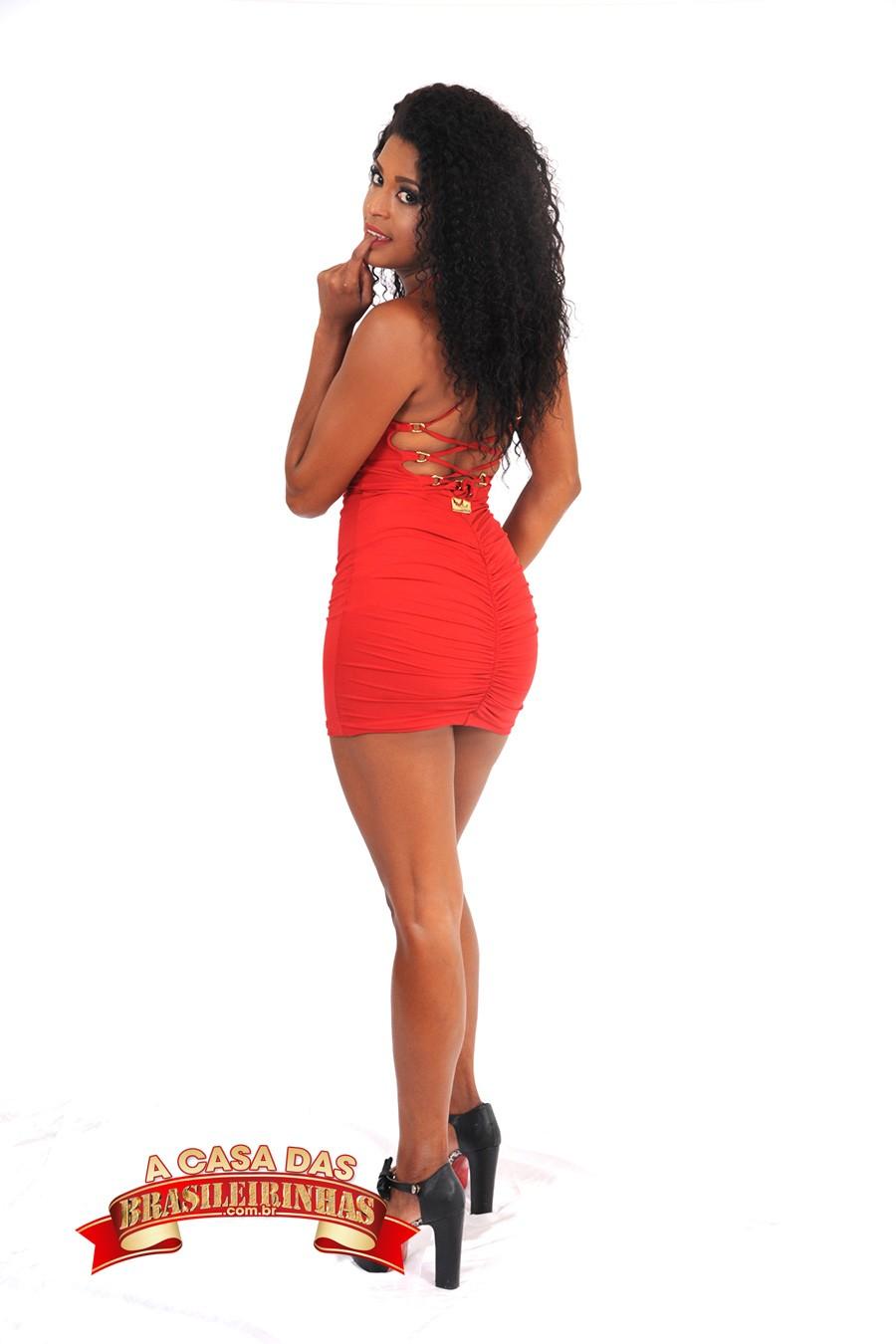 mulata-de-vestido-vermelho.jpg