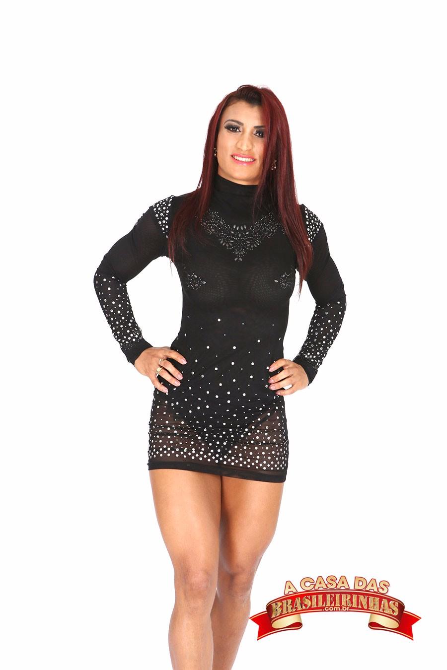 Yara-Morganna-com-vestido-preto.jpg