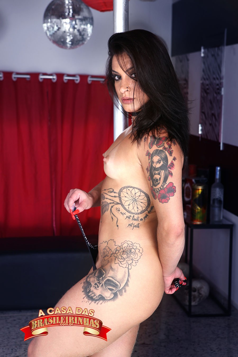 atriz-porno-tatuada.jpg
