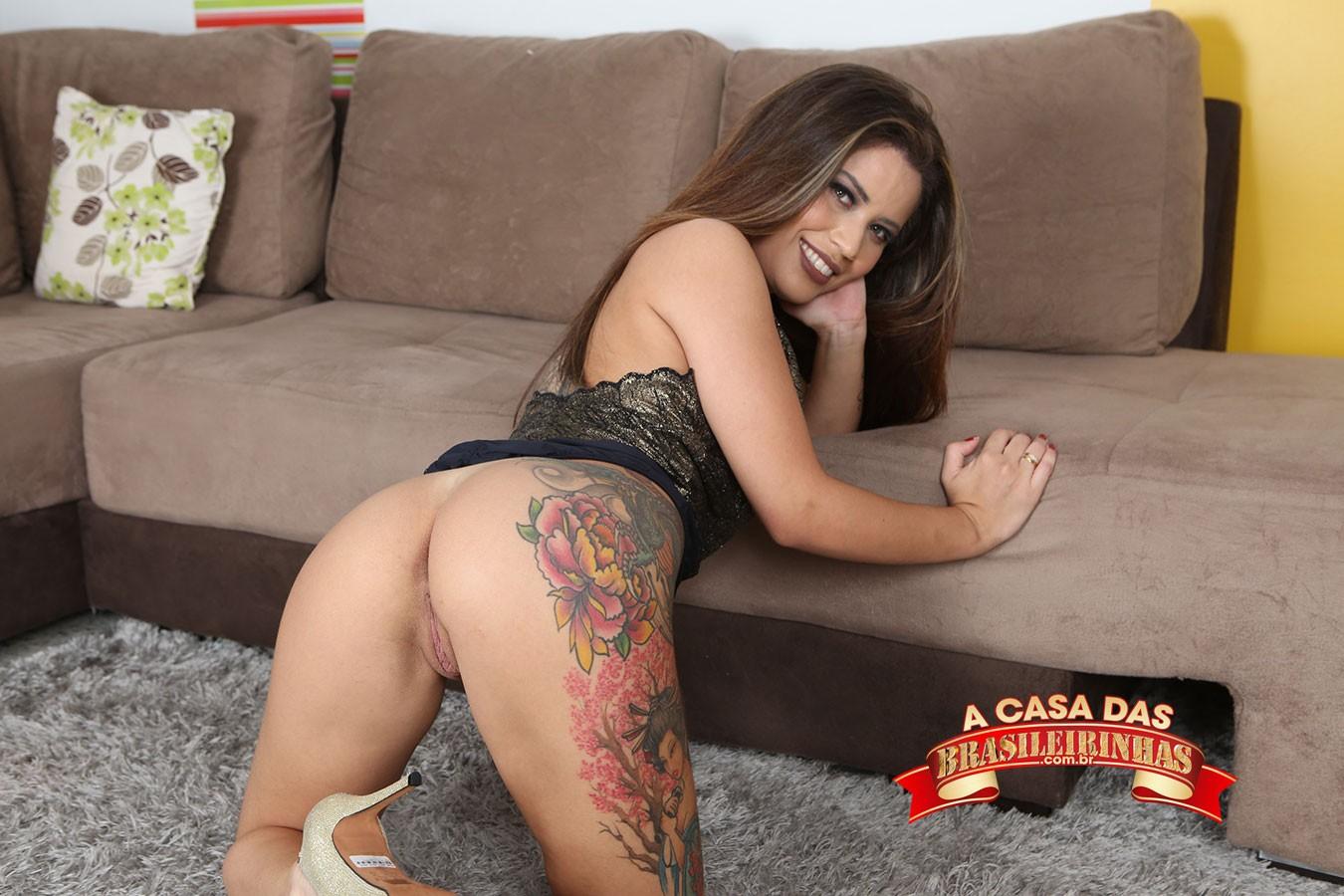 Yasmin-Mineira-tatuada.jpg