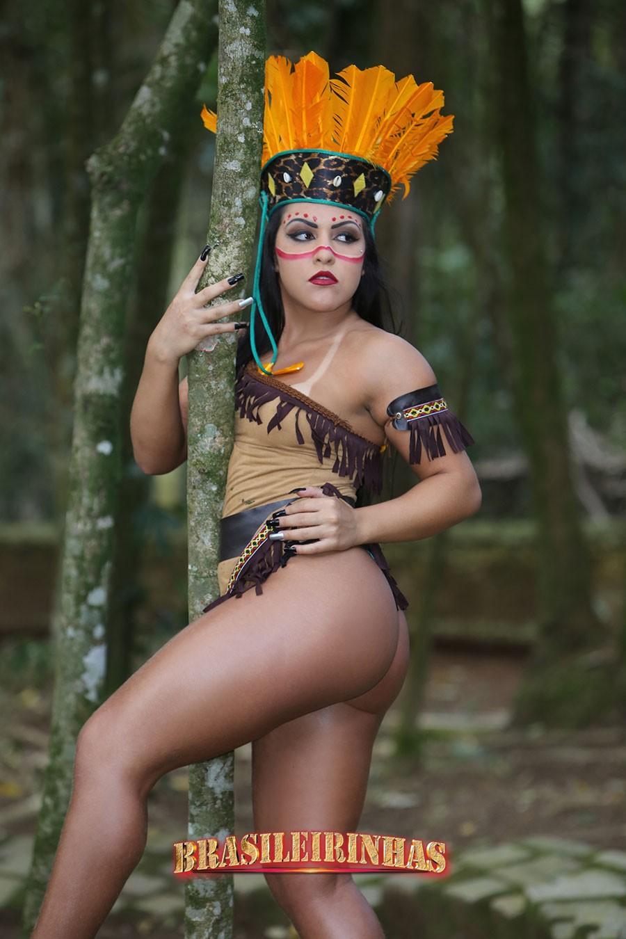Rebecca-Santos-na-floresta.jpg