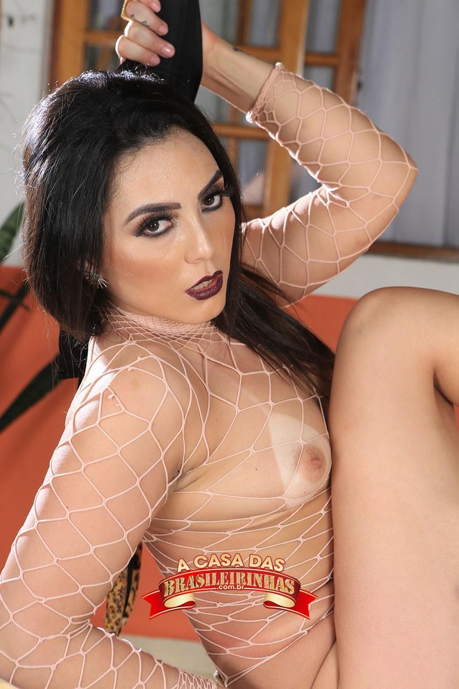 ensaio-sensual-de-Mimi-Boliviana.jpg