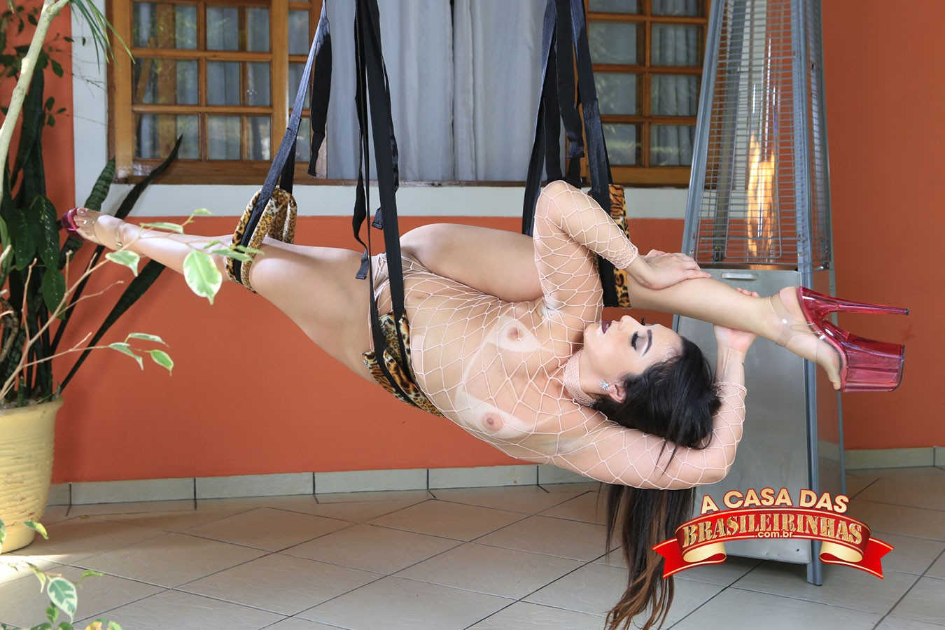 show-sensual-de-Mimi-Boliviana.jpg