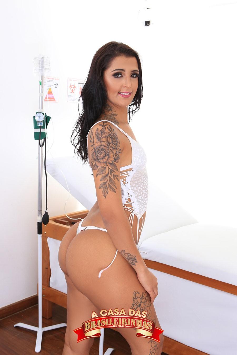 ensaio-sensual-de-Julia-Mattos.jpg