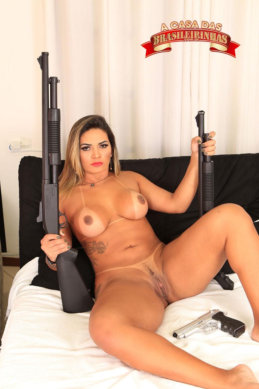 atriz-porno-depilada-Luna-Oliveira.jpg