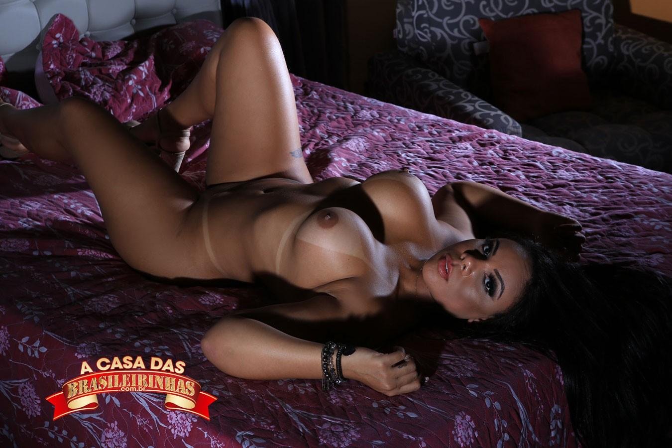 ensaio-sensual-de-Pamela-Santos.jpg