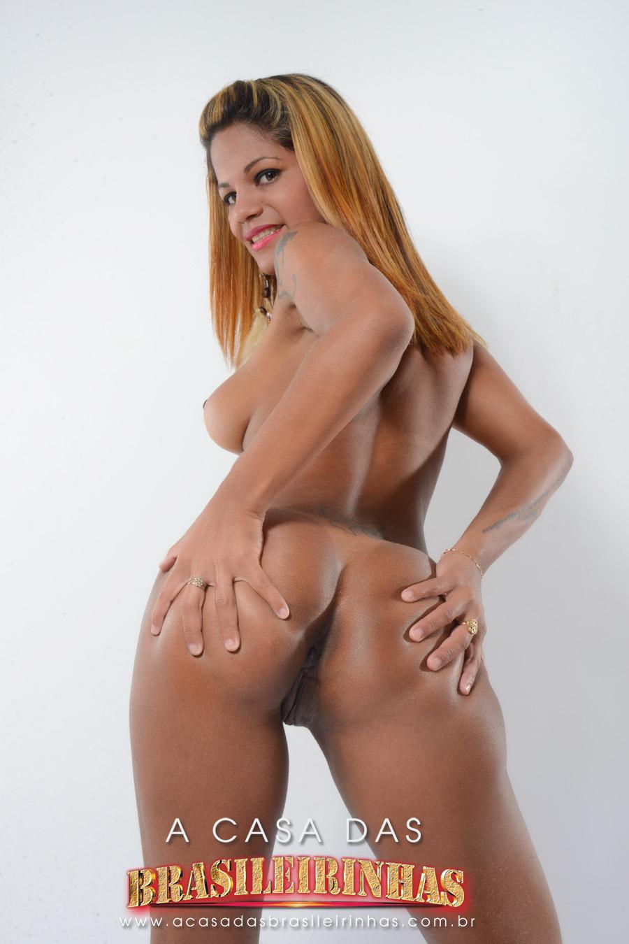 Atriz Porno Emily Brasil Participando Da Casa Das Brasileirinhas Veja